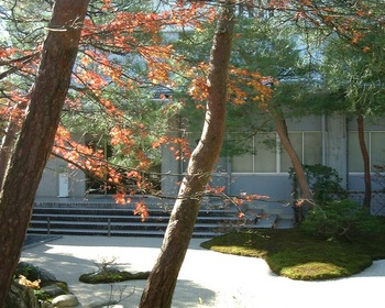 4歓迎の庭(3).JPG