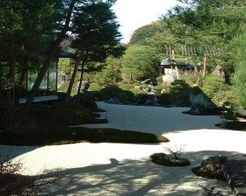 5歓迎の庭(4).JPG